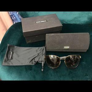 DOLCE & GABBANA DG2107  Sunglasses Tortoise Lense